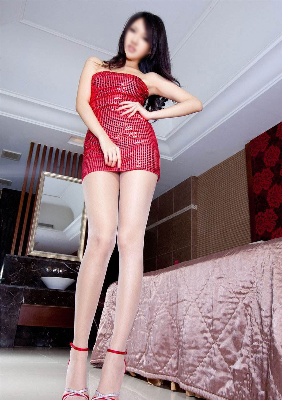 Sexy Asian Escort Queen