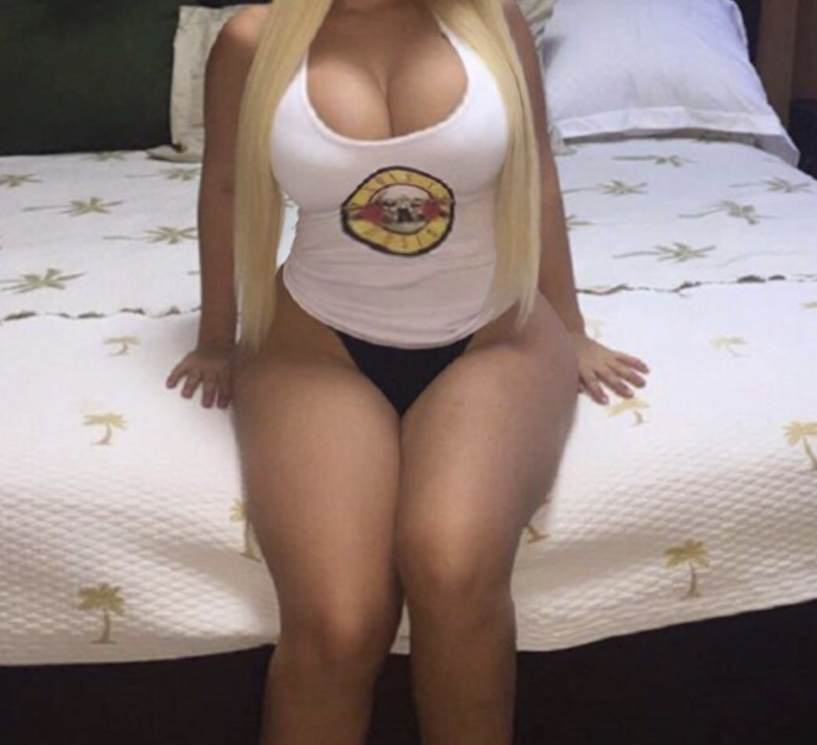AVAILABLE all week till late sexy curvy pretty aussie blonde 22 big natural breasts 💦💦💦
