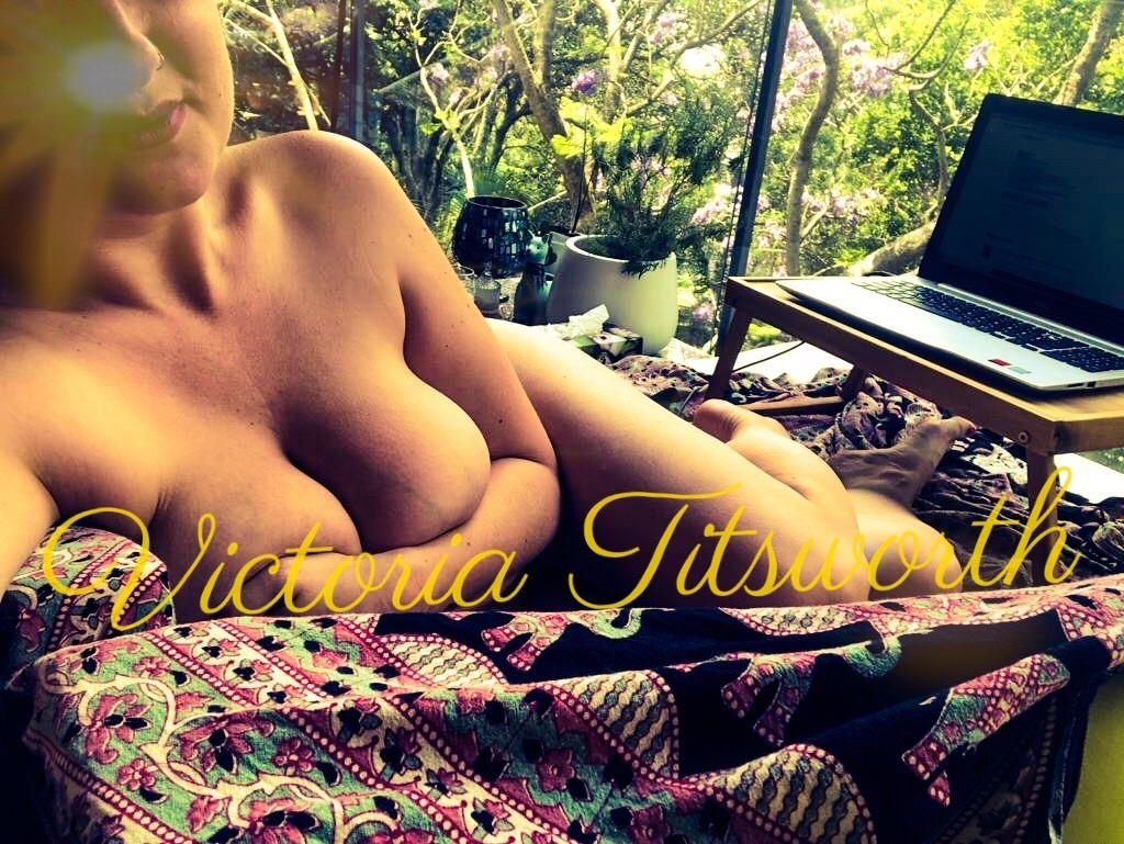 BUSTY BRITISH BLONDE BABE, Sydney's favourite GFE escort and companion