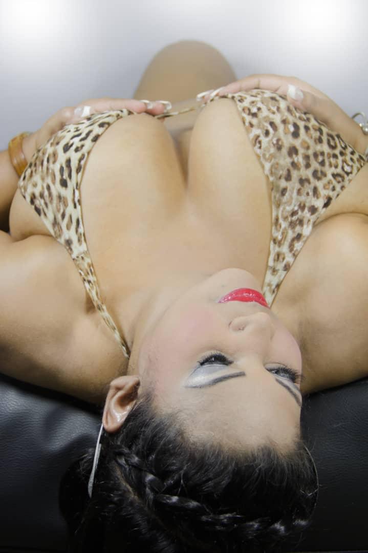 i do show in cam i am latina hot 030621