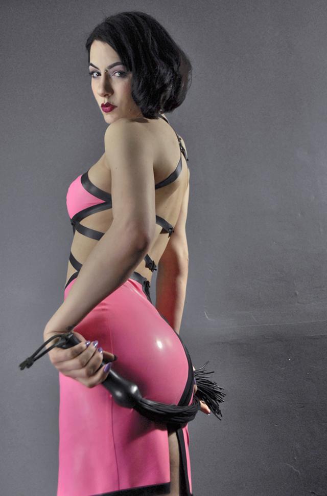 BDSM Sessions With Mistress Vivian