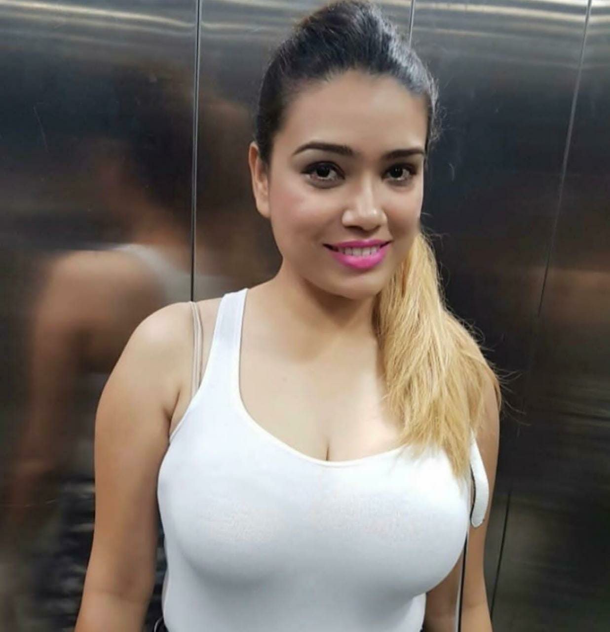 Hot Indian Girls in adelaide